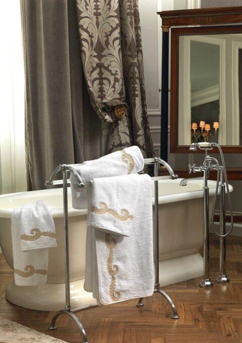 01. Designer Luigi Giannetta Bathroom linen Luxury Home Design