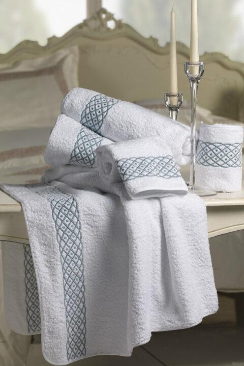 03. Designer Luigi Giannetta Bathroom linen Luxury Home Design