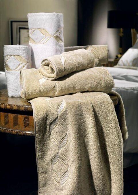 05. Designer Luigi Giannetta Bathroom linen Luxury Home Design