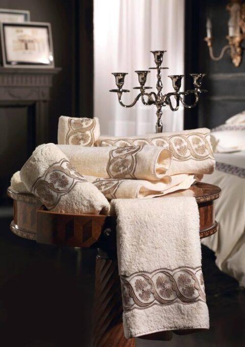 08. Designer Luigi Giannetta Bathroom linen Luxury Home Design