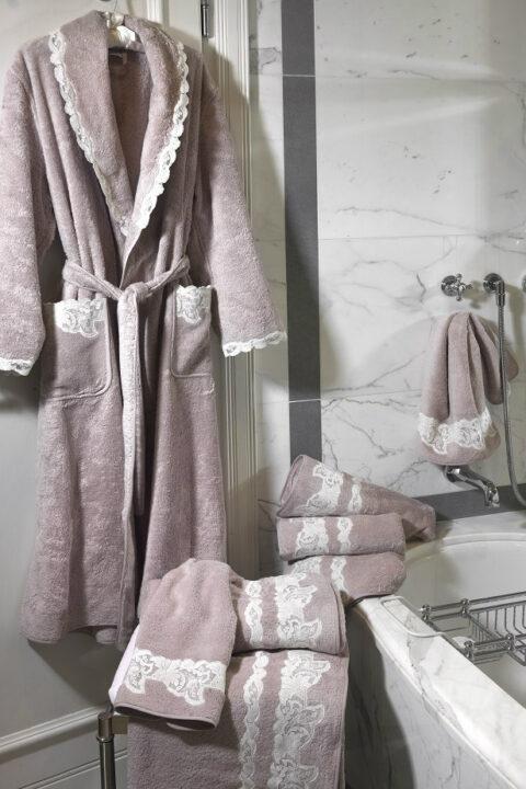 09. Designer Luigi Giannetta Bathroom linen Luxury Home Design