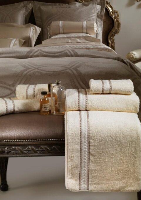 10. Designer Luigi Giannetta Bathroom linen Luxury Home Design