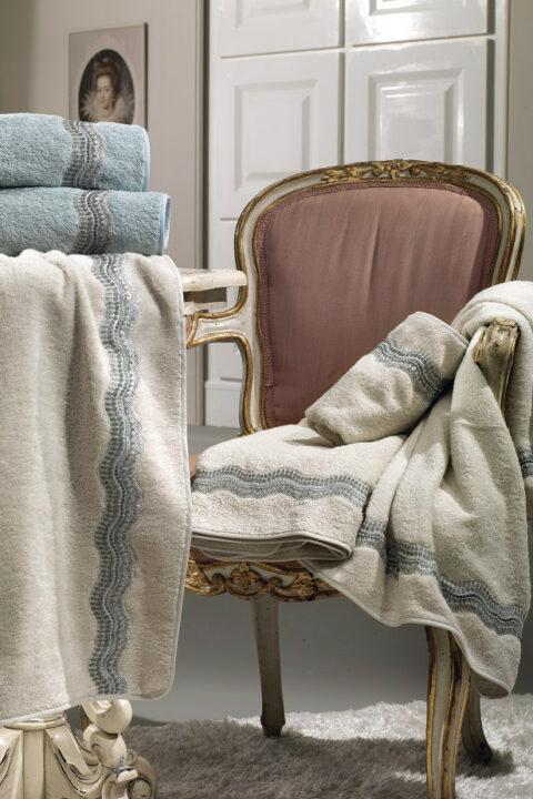 13. Designer Luigi Giannetta Bathroom linen Luxury Home Design