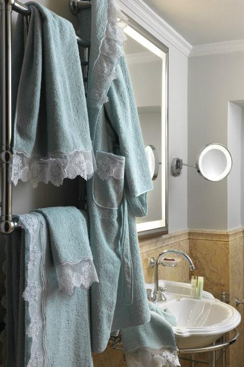 14. Designer Luigi Giannetta Bathroom linen Luxury Home Design