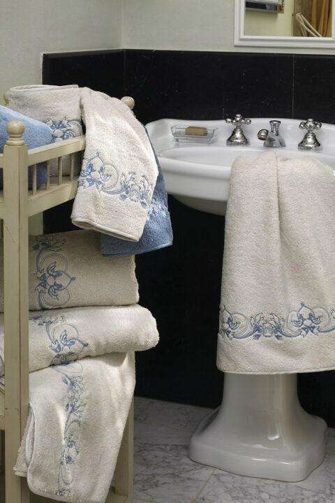 16. Designer Luigi Giannetta Bathroom linen Luxury Home Design