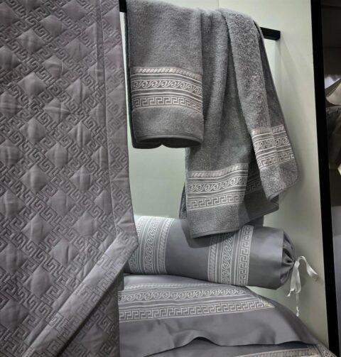 17. Designer Luigi Giannetta Bathroom linen Luxury Home Design